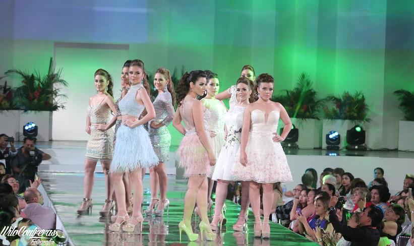 Desfile de modas de embajadoras 2016