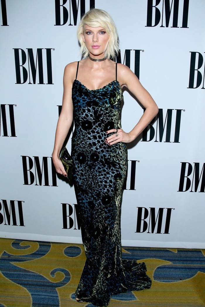 taylor-swift-stuns-at-bmi-pop-awards-to-accept-namesake-prize-24