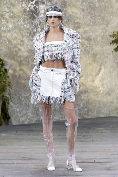 kaia-gerber-at-chanel-fashion-show-at-paris-fashion-week-10-03-2017-4SS