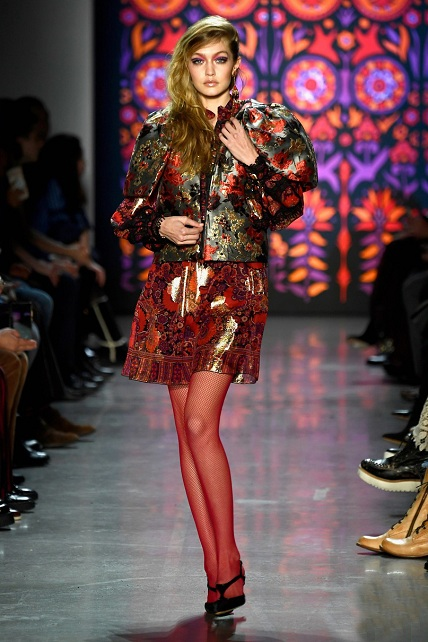 kaia-gerber-joins-gigi-bella-hadid-in-anna-sui-nyfw-show-01s