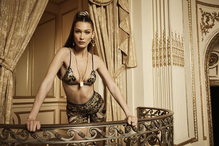Bella Hadid presenta la nueva colaboración de Versace y Kith
